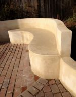 Gently curving dividing wall